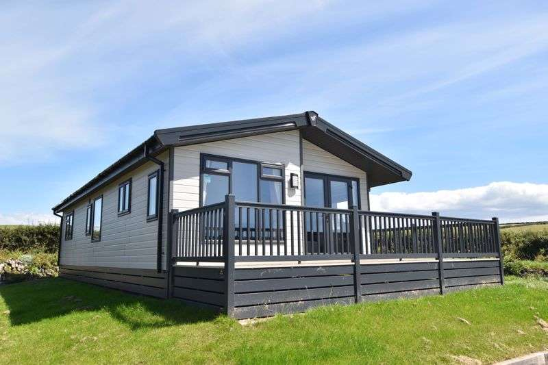 2 Bedrooms Property for sale in Mawgan Porth, Newquay
