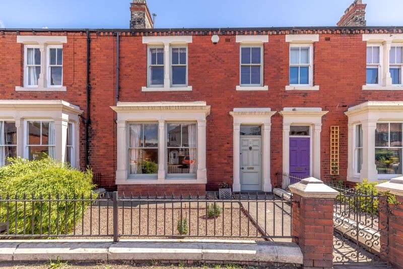4 Bedrooms Property for sale in Friarage Avenue, Northallerton, DL6