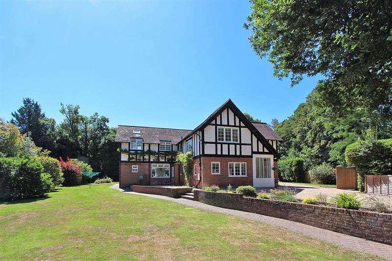 6 Bedrooms Detached House for sale in Forest Park Road, Brockenhurst, Hampshire, SO42