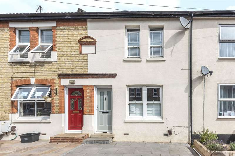 3 Bedrooms Terraced House for sale in Lyndale Road, Redhill, Surrey, RH1