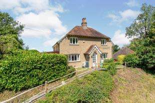 3 Bedrooms Detached House for sale in Beechwood Lane, Lavington Park, Petworth, West Sussex
