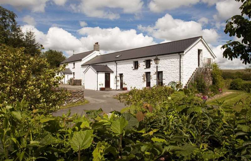 5 Bedrooms Detached House for sale in Penderyn, Aberdare, Rhondda Cynon Taff, CF44 0YJ