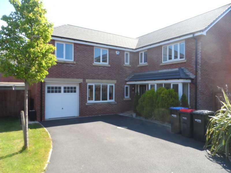 5 Bedrooms Detached House for sale in Stamford Place, Blackpool, FY3 0ER