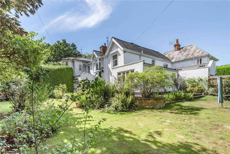 4 Bedrooms Terraced House for sale in Lavershot Court, London Road, Windlesham, Surrey, GU20