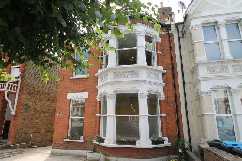4 Bedrooms House for sale in Palmerston Crescent, Palmers Green, London