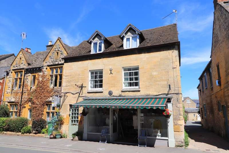 2 Bedrooms Flat for sale in North Street, Winchcombe