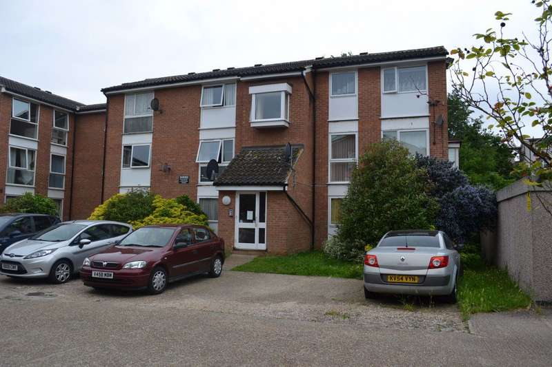1 Bedroom Flat for rent in Trotwood, Chigwell