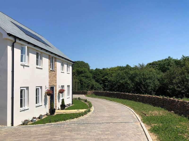 4 Bedrooms Detached House for sale in Pill View, Fremington, Barnstaple, EX31