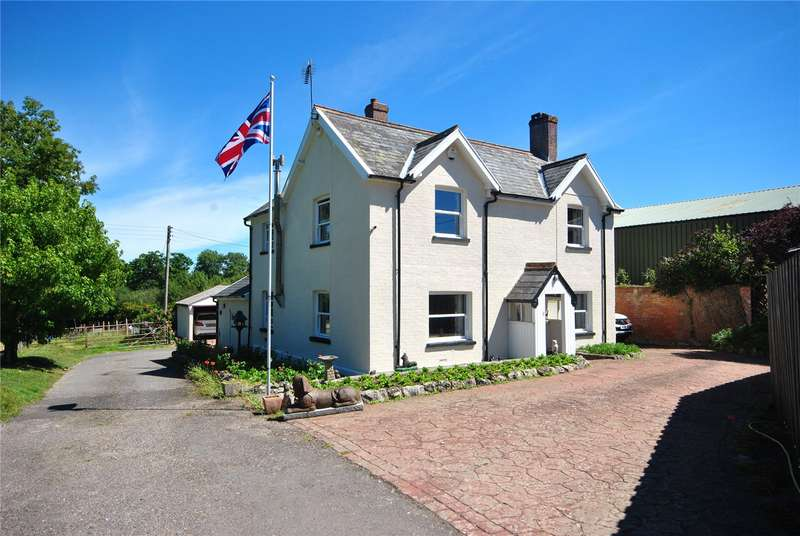 3 Bedrooms House for sale in Chaffcombe Road, Chard, Somerset, TA20
