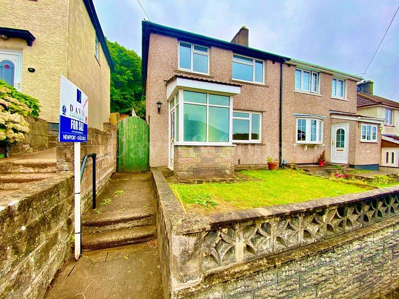 3 Bedrooms Semi Detached House for sale in Graig Park Hill, Malpas, Newport. NP20 6GY