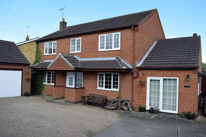 5 Bedrooms Detached House for sale in Cadney, Brigg