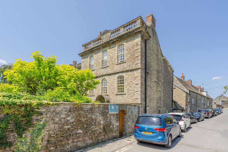 4 Bedrooms Semi Detached House for sale in Kings Wall, Malmesbury