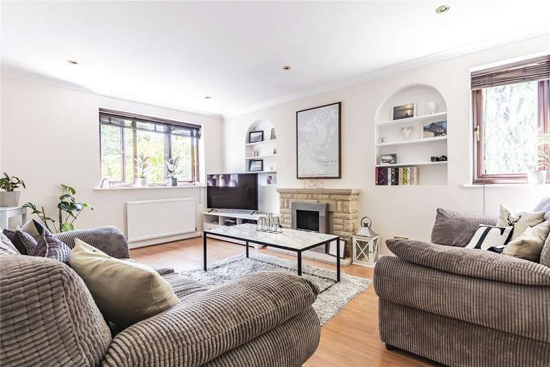 2 Bedrooms Maisonette Flat for sale in The Willows, Mill End, Rickmansworth, Hertfordshire, WD3