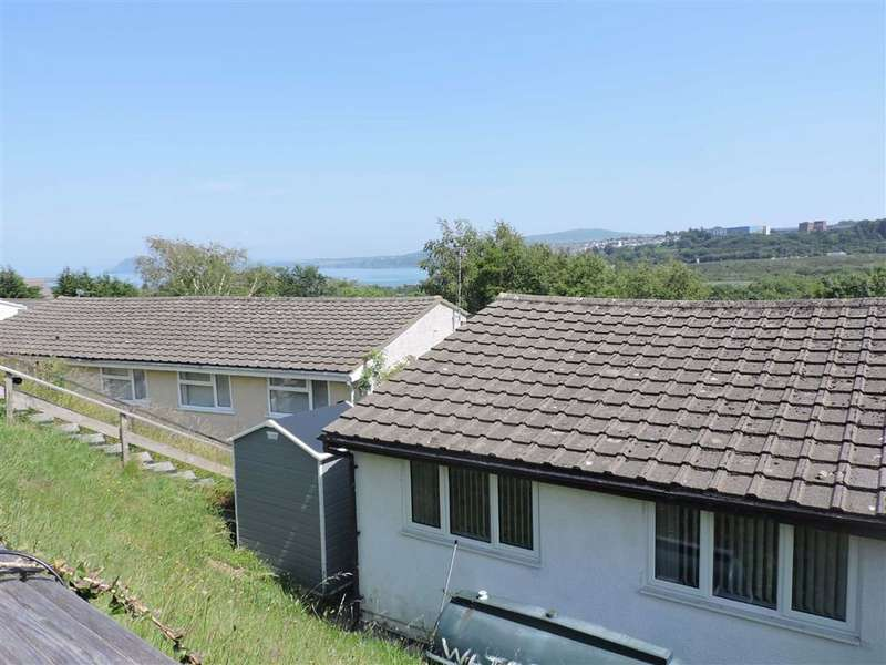 2 Bedrooms Semi Detached Bungalow for sale in Seaview Crescent, Goodwick
