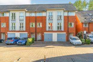 4 Bedrooms Town House for sale in Kings Walk, Holland Road, Maidstone, Kent