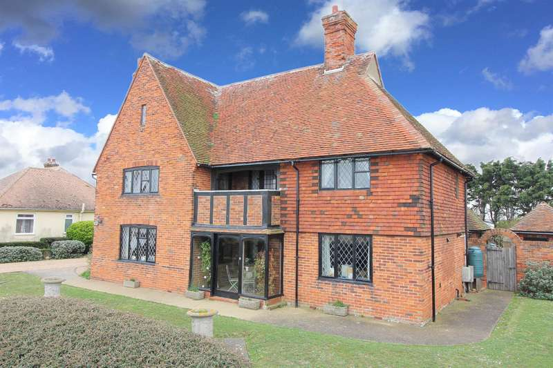 4 Bedrooms Detached House for sale in New Romney, TN28 8RS