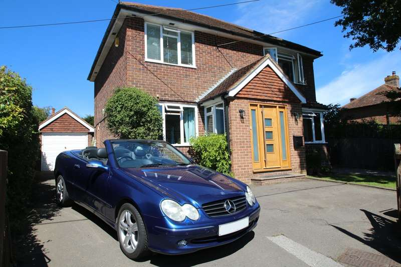 4 Bedrooms Detached House for sale in Maytham Road, Rolvenden Layne