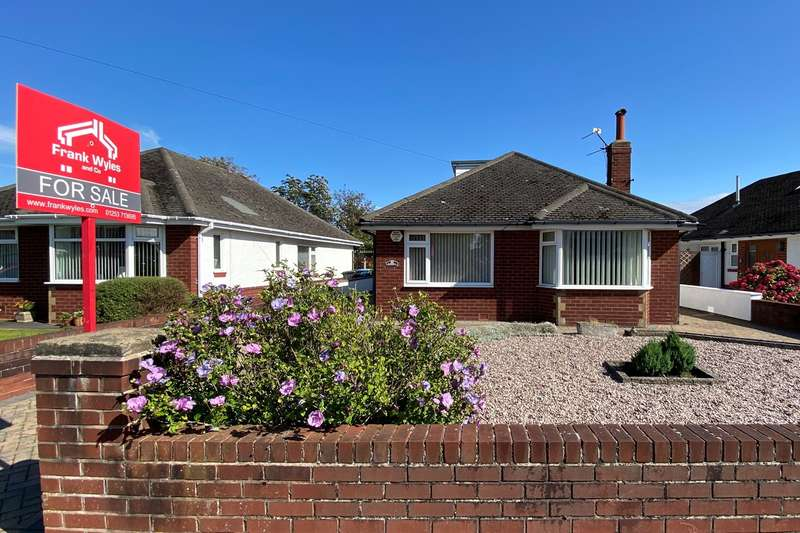 3 Bedrooms Detached Bungalow for sale in Folkestone Road, Lytham St Annes, FY8