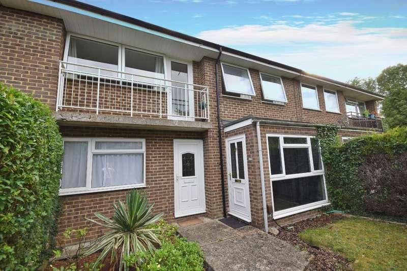 2 Bedrooms Maisonette Flat for sale in Brighton Hill, Basingstoke, RG22