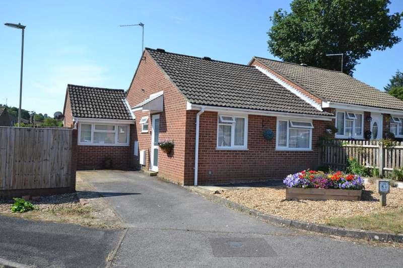 2 Bedrooms Semi Detached Bungalow for sale in Lilac Close, Bordon, GU35