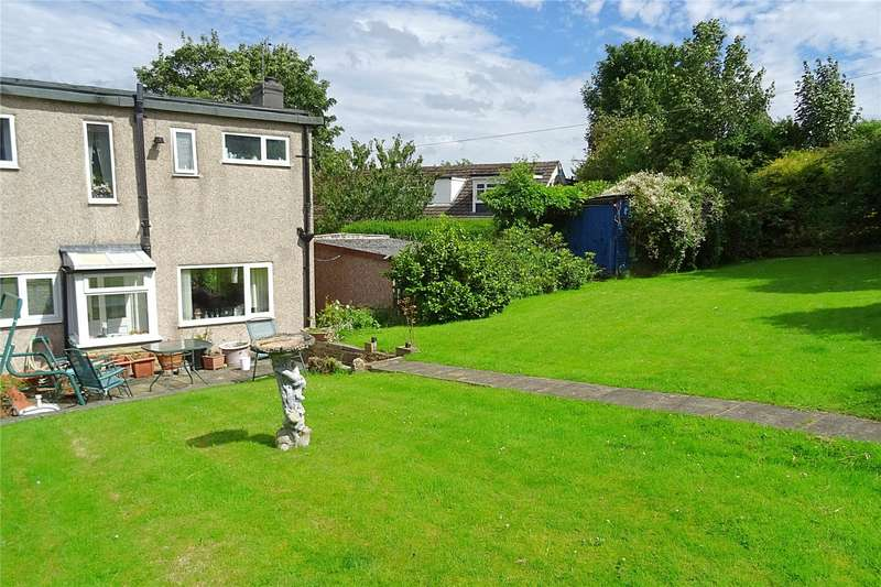 3 Bedrooms Semi Detached House for sale in Hawes Crescent, Bradford, West Yorkshire, BD5