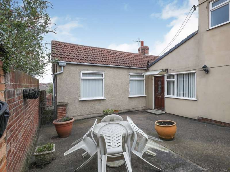 4 Bedrooms Bungalow for sale in Scrooby Road, Doncaster, Nottinghamshire, DN11