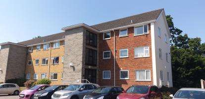 2 Bedrooms Flat for sale in Portswood Drive, Redhill, Bournemouth