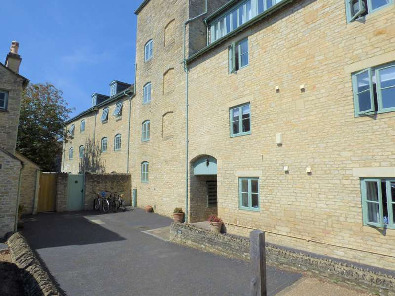 2 Bedrooms Apartment Flat for sale in Cotswold Mill, Lewis Lane, Cirencester