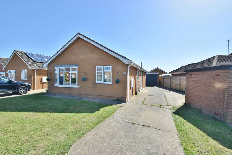 3 Bedrooms Bungalow for sale in Portland Drive, Skegness, PE25
