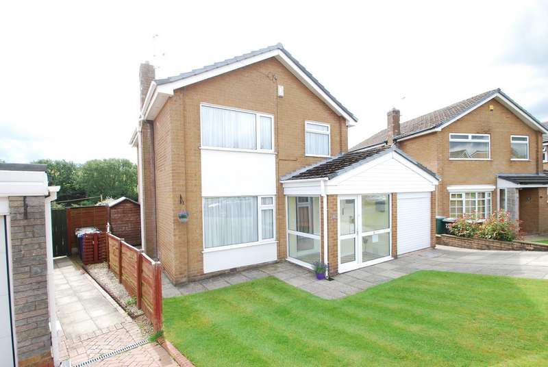 3 Bedrooms Detached House for sale in Avon Drive, Bury