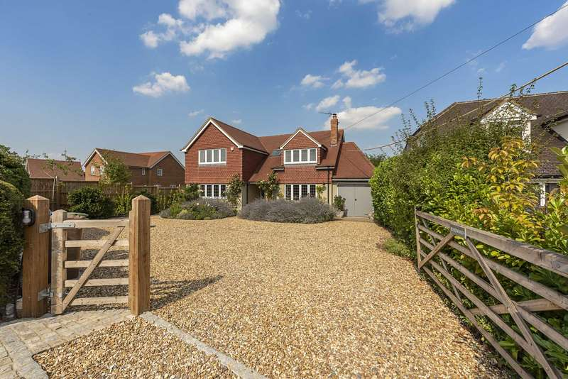 4 Bedrooms Detached House for sale in Buckland