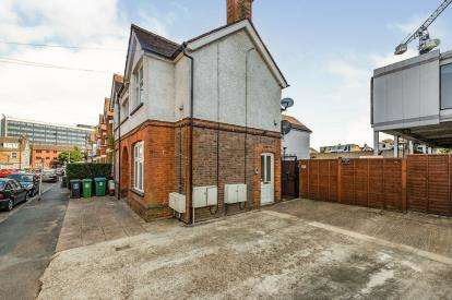 1 Bedroom Maisonette Flat for sale in Wellington Road, Watford, Hertfordshire