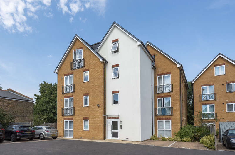 2 Bedrooms Flat for sale in Collynson House, Ellis Close