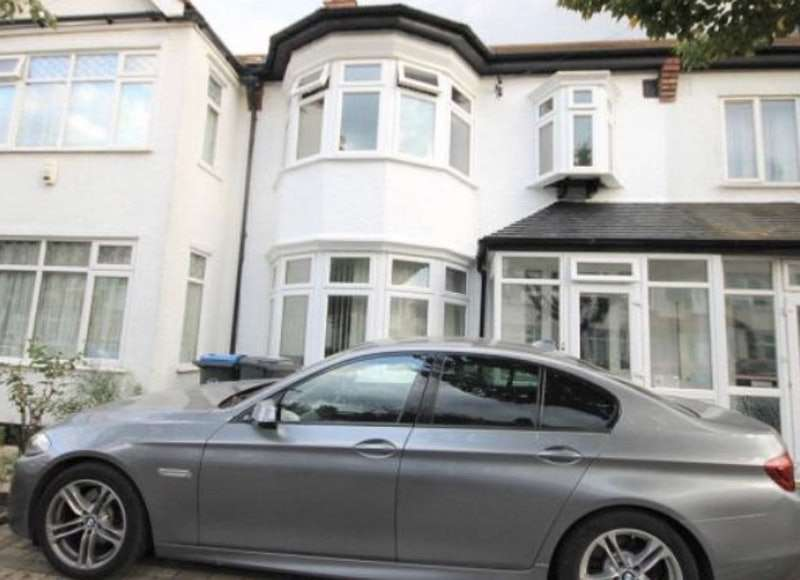 3 Bedrooms Terraced House for sale in Redford Avenue, Thornton Heath, London, CR7
