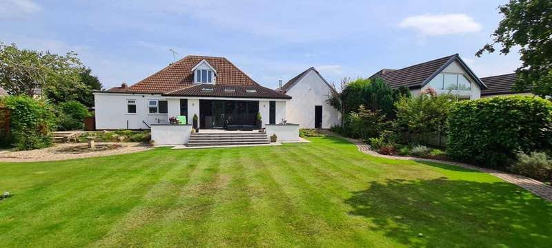 4 Bedrooms Detached Bungalow for sale in Cottam Lane, Ashton-on-Ribble, Preston, Lancashire, PR2