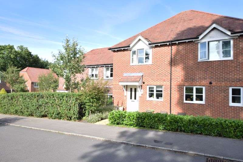 2 Bedrooms Property for sale in Handyside Place, Four Marks, Alton, Hampshire