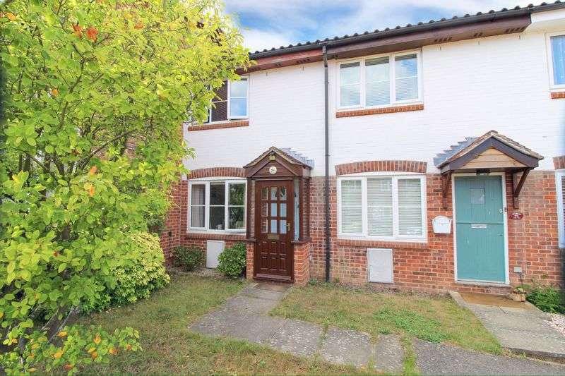 2 Bedrooms Property for sale in Squerryes Mede, Westerham