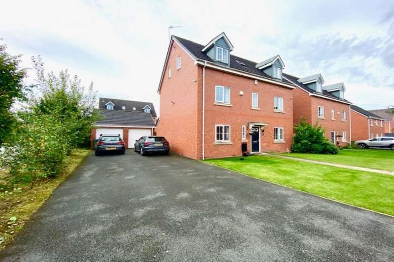 5 Bedrooms Detached House for sale in East Church Way, Heywood, OL10