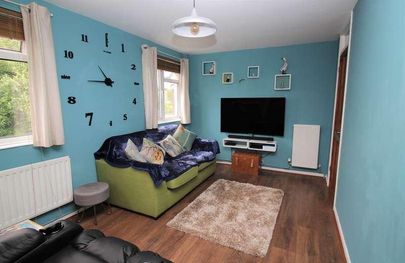 2 Bedrooms Flat for sale in Hillfield, Hatfield, AL10
