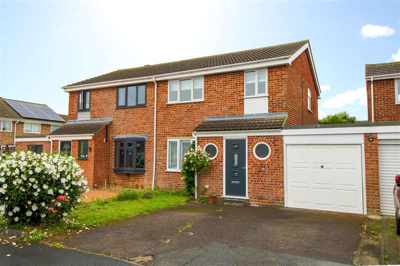 3 Bedrooms Semi Detached House for sale in Mandeville Road, Marks Tey, Colchester