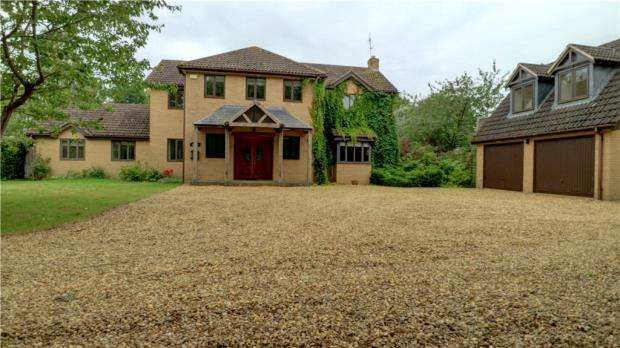 5 Bedrooms Detached House for sale in Manners Close, Uffington, Stamford