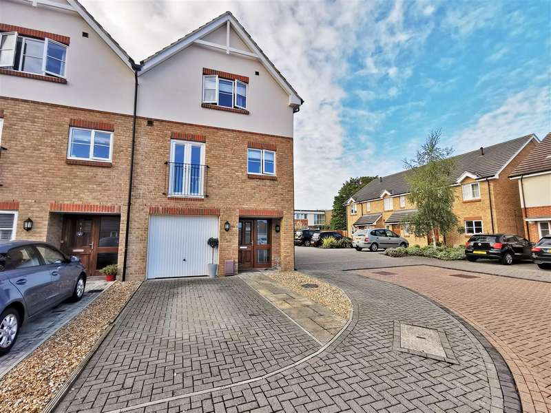 4 Bedrooms Town House for sale in St. James Place, Southsea