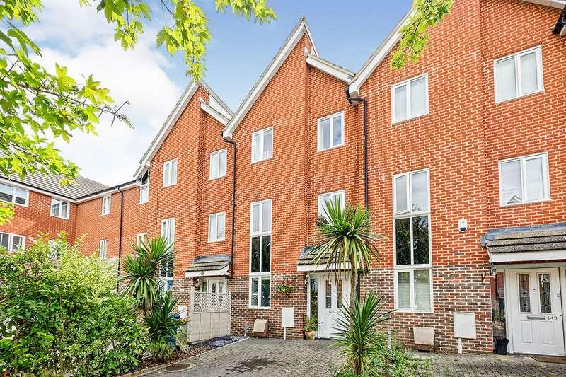 4 Bedrooms House for sale in Edward Vinson Drive, Faversham, Kent, ME13