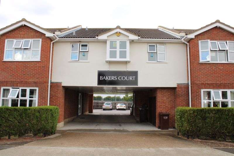 1 Bedroom Property for sale in Church Parade, Canvey Island