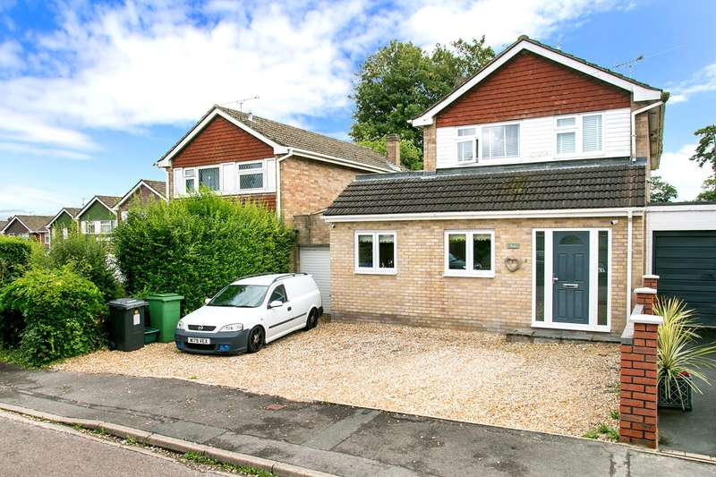4 Bedrooms Detached House for sale in Lingfield Close, Old Basing, Basingstoke, RG24