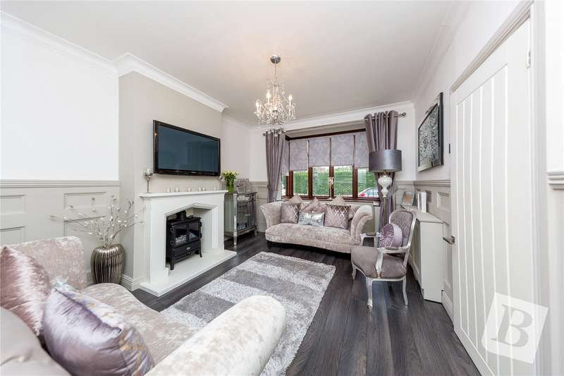 2 Bedrooms Semi Detached Bungalow for sale in Hillview Avenue, Hornchurch, RM11