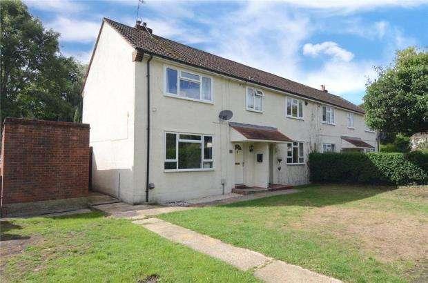 2 Bedrooms Maisonette Flat for sale in Beech Road, Farnborough, Hampshire
