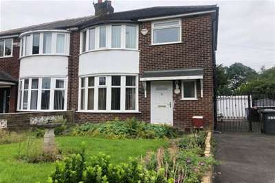 3 Bedrooms Semi Detached House for rent in Manchester Road, M28