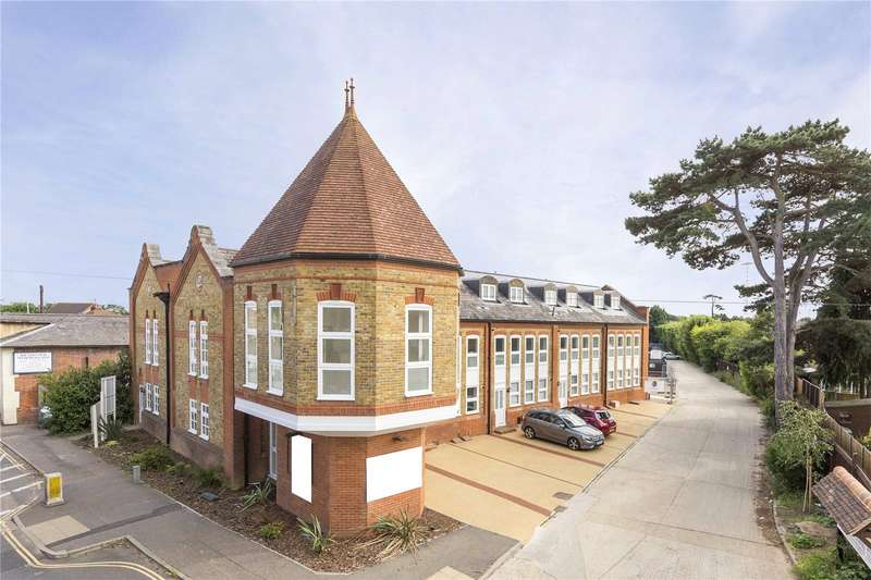 2 Bedrooms Apartment Flat for sale in Alexandra Court, Church Street, Great Baddow, Chelmsford, CM2
