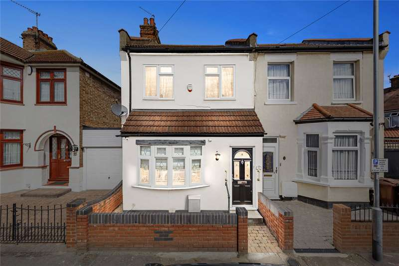 2 Bedrooms Semi Detached House for sale in Alexandra Road, Chadwell Heath, RM6